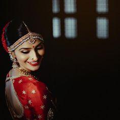 Neha ✨ . @neha_chinnappa . #bride #bridalmakeup #bridal #bridalportrait #southindianbride #weddingphotography #lightbucketproductions… Tamil Wedding, South Indian Bride, Bridal Make Up, Bridal Portraits, Wedding Photography, Wonder Woman, Crown, Superhero, Women