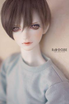 画像 Boy Doll, Girl Dolls, Harajuku Makeup, Anime Dolls, Little Doll, Boy Art, Custom Dolls, Ball Jointed Dolls, Pose Reference