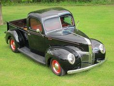 1940-41 Ford Deluxe Pickup Show Winner