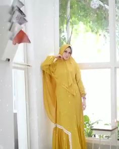 Bahan ceruty baby doll mix renda premium Saku kanan kiri Puring Ld 110 PB 140 Modest Fashion, Hijab Fashion, Fashion Dresses, Muslim Girls, Muslim Women, Simple Hijab, Abaya Designs, Simple Style, Baby Dress