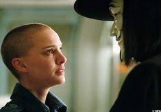V For Vendetta 2005, V For Vendetta Movie, V Pour Vendetta, Hugo Weaving, Natalie Portman, Dc Movies, Series Movies, Good Movies, Amazing Movies