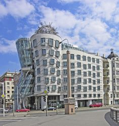 Dancing House (Fred & Ginger) - Frank Gehry