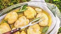 Rané brambory v bylinkovém oleji