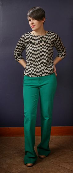 I love this combination. The green pants are fab and I like the sleeve length as well as pattern on the top.