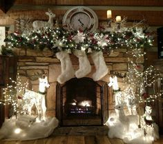 100 Best Christmas mantel decorations that glisten with an aesthetic élan - Hike n Dip : Here are 100 Best Christmas Mantel Decorations. Take inspiration for the perfect Christmas Fireplace decor, that include various themes & traditional styles Silver Christmas Decorations, Christmas Mantels, Noel Christmas, Holiday Decor, White Christmas, Christmas Fireplace Decorations, Winter Wonderland Decorations, Winter Wonderland Christmas, Christmas Tables