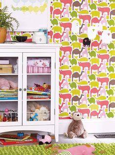 Graphic wallpaper kids room. Styling by Lauren Adel Klich www.laurenadel.com
