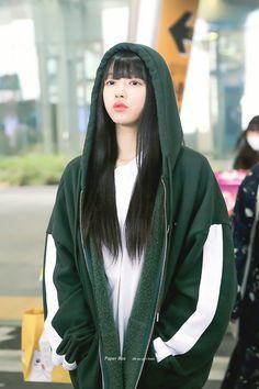 Kpop Girl Groups, Korean Girl Groups, Kpop Girls, Kpop Fashion, Daily Fashion, Korean Fashion, Kpop Mode, Oh My Girl Yooa, Kpop Girl Bands