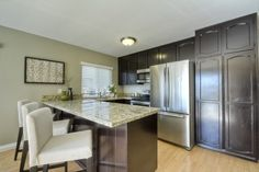Check out this gorgeous property with this amazing kitchen!