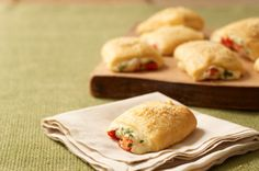 Savory Parmesan Bites recipe - Kraft Foods a great go-to appetizer - highly recommend! Kraft Foods, Kraft Recipes, Crescent Roll Recipes, Crescent Rolls, Quick And Easy Appetizers, Hot Appetizers, Quick Snacks, Parmesan Recipes, The Fresh