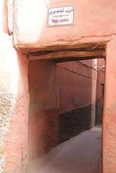 Lo reconocemos!!! Nos encanta viajar por Marruecos, solos, a la aventura, con nuestro coche,...