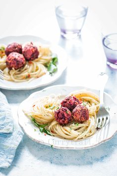 A fusion between angie-olio pasta and meat ball pasta is this beetballs pasta. Instead of meat I used beetroots along with lentils to make the balls. A dish that is just perfect for your busy weeknight dinner! It's hearty, comforting and DELI-CIOUS! Veggie Recipes, Pasta Recipes, Gourmet Recipes, Dinner Recipes, Food Garnishes, Garnishing Ideas, Veggie Tray, Veggie Food, Vegetable Carving