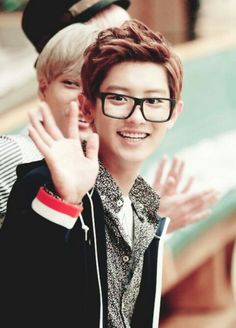 94e9cddec992 OMO baby Chanyeol in glasses! XD I m freaking dying!