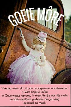 Girls Tutu Dress Pink Pageant Dress Baby Tutu by ChiclyHooked Baby Tutu Dresses, Pink Tutu Dress, Baby Girl Tutu, Ivory Dresses, Baby Dress, Flower Girl Dresses, Crochet Tutu, Robes Tutu, Kids Tutu