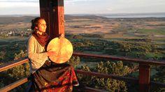 Sok születésnapokat - ancient Hungarian folk song Veggietales, Folk Music, Itunes, Arts And Crafts, Fan Art, Songs, Texture, Facebook, Artist