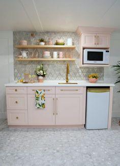 Small Kitchenette, Basement Kitchenette, Small Basement Kitchen, Small Basement Apartments, Studio Kitchenette, Kitchenette Design, Kitchenette Ideas, Small Apartment Kitchen, Küchen Design