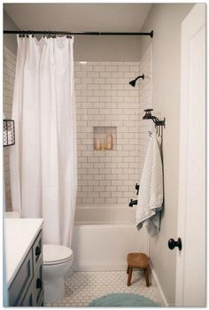 Modern farmhouse bathroom remodel ideas (4)