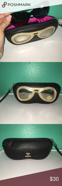 Juicy Couture Sunglass pouch Juicy Couture Sunglass Pouch / like new - hardly used - zipper works perfectly Bird by Juicy Couture Accessories