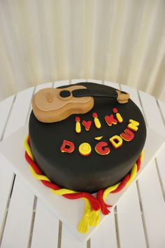 Guitar cake for GS Galatasaray fan