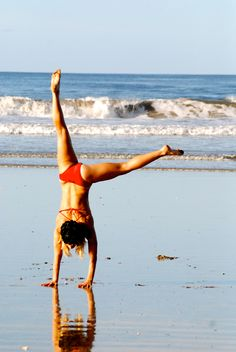 Dear friend of Calavera Erika shows that cartwheels are no problem in the suit