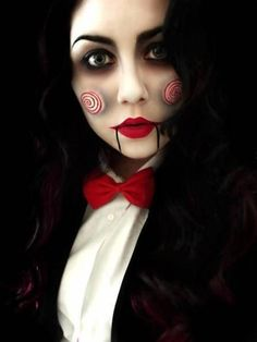 Check Out 21 Unique Halloween Makeup Ideas To Try. Halloween make ups are an amazing solution for Halloween. You can make incredible mask just with makeup. Looks Halloween, Cool Halloween Makeup, Halloween Zombie, Vintage Halloween, Vintage Witch, Easy Halloween, Halloween Stuff, Jigsaw Halloween Costume, Halloween Clothes