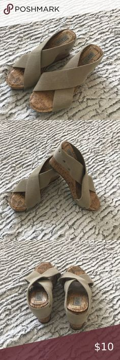 Spirit tan color sandals with cork bottom Treat yourself to a pair of sandals size Shoes Sandals Plus Fashion, Fashion Tips, Fashion Design, Fashion Trends, Women's Shoes Sandals, Cork, Spirit, Shop My, Closet