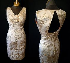 Chic 1950's  designer gold and champagne brocade cocktail wiggle party dress  cutout back vlv bombshell show stopper - size Medium