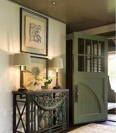 Content in a Cottage: Beautiful Foyer in Aspen