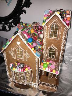 Gingerbread house Pepperkakehus Laget av Marianne Heggelund