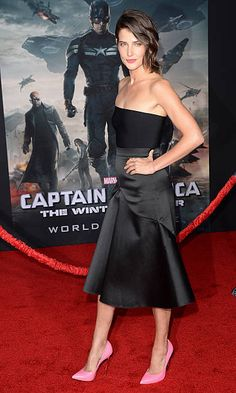 Actress Cobie Smulders arrives for the premiere of Marvel's 'Captain America: The Winter Soldier' at the El Capitan Theatre on March 13, 2014 in Hollywood, California.