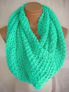 "I literally just said ""a crochet infinity scarf wouldn't be that difficult!"" yaaayy!"