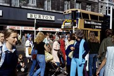 O Connell St Dublin 1980 Cork Ireland, Dublin Ireland, Old Pictures, Old Photos, Images Of Ireland, Ireland Homes, Dublin City, 80s Fashion, Back In The Day