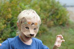 Woodland Bear Felt Mask Pattern & Tutorial from Delilahiris Halloween Look, Halloween Masks, Halloween Crafts, Halloween Party, Halloween Decorations, Felted Wool Crafts, Felt Crafts, Origami, Bear Felt