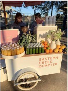 Juice Bar Design, Food Cart Design, Food Truck Design, Juice Branding, Juice Packaging, Juice Bar Interior, Sumo Natural, Mobile Food Cart, Mobile Coffee Shop