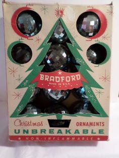 Plastic Bradford Bradford ornaments 1950s by DeliciasCastle