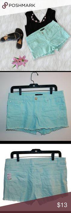 """Forever 21 Distressed Jean Shorts These cute teal shorts have a distressed look and sit below the waist. They made of 96% cotton and 2% spandex, and they are stretchy. Measurements: Waist 32"""", Hips 36"""", Inseam 2 1/4"""". They are brand new with tags from Forever 21 and are US size 30. Forever 21 Shorts Jean Shorts"""