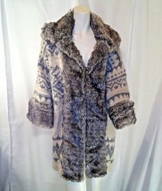 d552ab1354e Zara Knitwear Womens Gray and White Sweater Coat w Faux Fur Outline Size  Medium  Zara