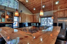 Big Bear Cabin #39 Gold Rush Resort 4Bed/3 Bath Great for Families! To Book call (310) 800-5454 or click the image! #BigBear #vacation #5starvacation #kitchen #breakfastbar #cabin