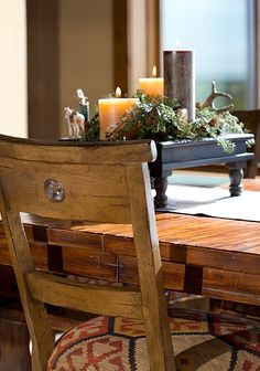 Some Perfect Custom Furniture And Accessories For A Mountain Style Home