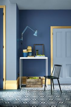 Gloss white skirting boards are going out of fashion as coloured skirting boards become an increasingly popular interior design trend Hallway Colour Schemes, Hallway Paint Colors, Blue Gray Paint Colors, Paint Colours, Little Greene Farbe, Little Greene Paint, Blue Rooms, Blue Walls, Coloured Skirting Boards