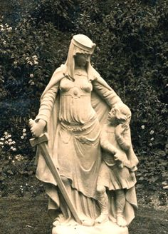 Ethelfleda (scourge of the Vikings), with her young nephew Athelstan (destined to be the first King of all England) at her side.