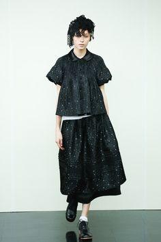 [No.26/87] tricot COMME des GARÇONS 2014春夏コレクション   Fashionsnap.com                                                                                                                                                                                 もっと見る