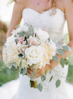 #roses Photography: Josh Gruetzmacher Photography - joshgruetzmacher.com Floral Design: Simply Bouquets - http://simplybouquetssb.com/