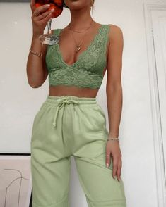 Hobbies - finding matching sets in my wardrobe & wine 🙌 By: Mode Outfits, Fashion Outfits, Fashion Tips, Workwear Fashion, Modest Fashion, Fashion Trends, Cute Casual Outfits, Summer Outfits, Green Outfits For Women