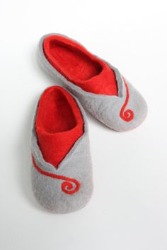 Felted wool women slippers   handmade house shoes   ecological felt  slippers for woman Size UK 60f2b98de4e