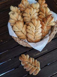Thermomix Bread, Bread Shaping, Bread Art, Confectionery, Apple Pie, Food Art, Bread Recipes, Deserts, Rolls