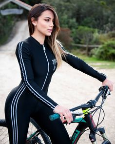 In a best world you could buy any bike you wanted at a price you might pay for, however in the real life mountain biking costs differ extremely. We provide some ideas on what to look for. Cycling Wear, Cycling Girls, Cycling Outfit, Cycling Clothes, Women's Cycling, Cycling Equipment, Bicycle Race, Bicycle Girl, Modelos Fitness