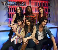 Victorious I wonder if Beck is thinking about Tori just look at his face!!! He so loves her!!!!