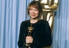 1980 Oscar Winner for Best Actress - Sissy Spacek from Quitman, Texas - Coal Miner's Daughter. Johnny Carson, Academy Award Winners, Academy Awards, Louise Fletcher, Oscars, Sissy Spacek, Best Actress Oscar, Oscar Wins, Oscar Dresses