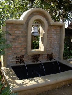 Garden Bleu water feature