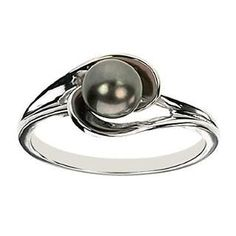 14k White Gold Black Pearl Ring. Would be perfect with a halo of small diamonds!